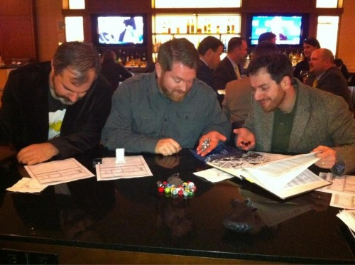 An epic game of D&D with Peter V. Brett, Brent Weeks and Joe Abercrombie (Photo court. Peter V. Brett's Facebook Page)