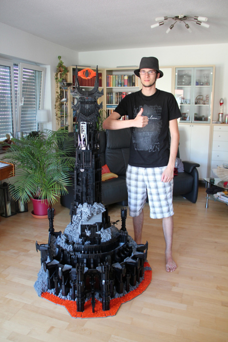 Lego version of Barad-dûr from THE LORD OF THE RINGS